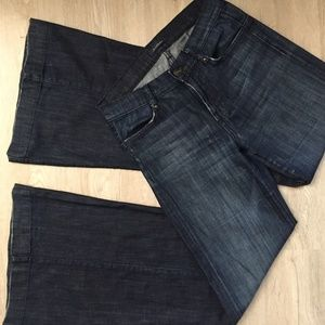7 For All Mankind Bell Bottom Jeans size 25